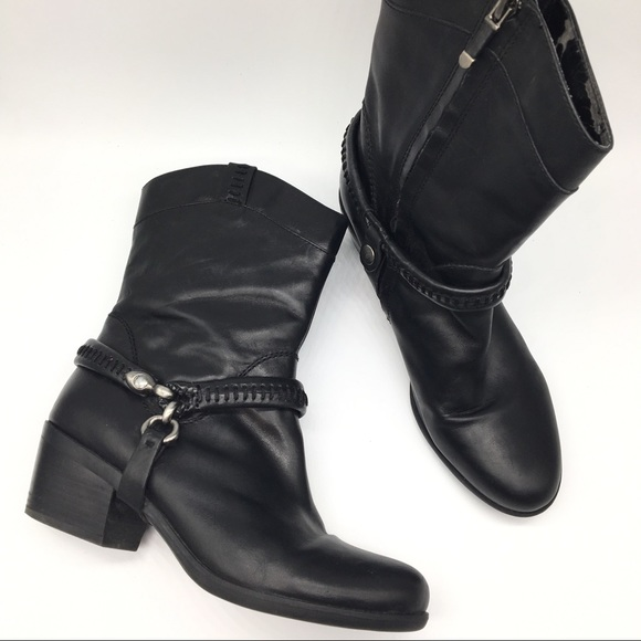 B Makowsky Hudson Black Leather Removable Harness Ankle Boots New